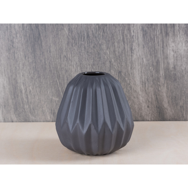 bloomingville vase fluted black porcelain blumenvase aus porzellan in grau schwarz h he ca 10 5 cm. Black Bedroom Furniture Sets. Home Design Ideas