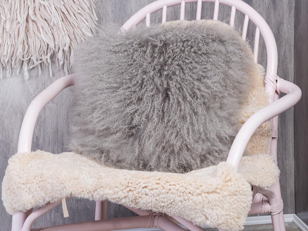 Bloomingville cushion mongolian lamb fur kissen in hellgrau aus lammfell inklusive f llung - Outdoor kissen fur loungemobel ...