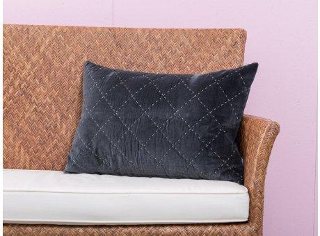 A Simple Mess Kissen Maja anthrazit grau Steppnähte hellgrau Kissenbezug Design by Louise Dorph Dänemark Querformat 40 x 60 cm