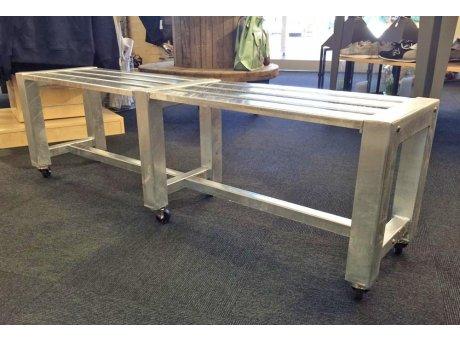 A2 Living Allwetter Gartenbank 2er Pro 6 silber 152 cm rostfreie Gartenmöbel aus Metall verzinkt
