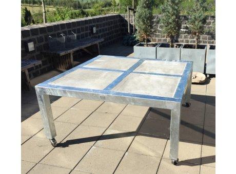 A2 Living Allwetter Gartentisch Quadro Typ 8 silber 4er Tisch verzinkt 146 cm rostfreie Gartenmöbel