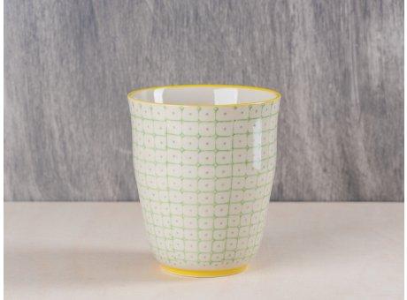 Bloomingville Becher grün weißes Muster mit gelbem Rand aus Carla Geschirr Serie 9,5 cm hoch