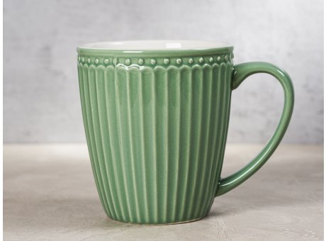 Greengate Becher ALICE Grün Kaffeebecher mit Henkel Everyday Keramik Geschirr Dusty Green 400 ml Rillenmuster Hygge für jeden Tag