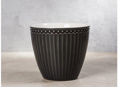 Greengate Latte Cup ALICE Dunkelgrau Kaffee Becher Everyday Keramik Geschirr Dark Grey 300 ml Rillenmuster Hygge für jeden Tag