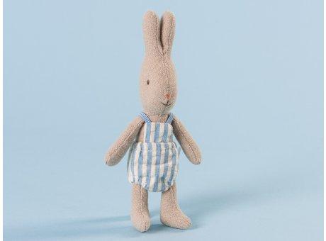 Maileg Hase Häschen Rabbit Junge im hellblauer Latzhose Micro 13 cm hoch aus Baumwolle und Leinen