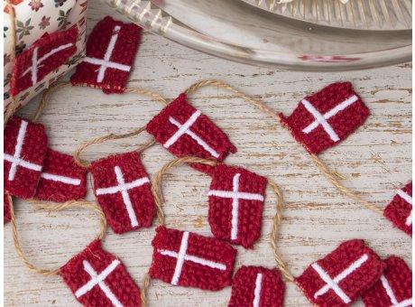 Solwang Girlande 10 Dänemark Flaggen aus Öko Tex Baumwolle handgestrickt 10 Fahnen an Juteschnur 100 cm