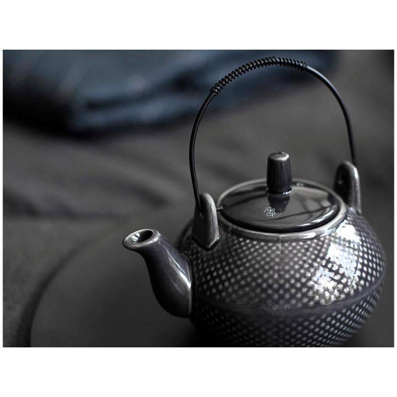 A Simple Mess Teekanne anthrazit grau Punkte aus der Asia Geschirr Kollektion
