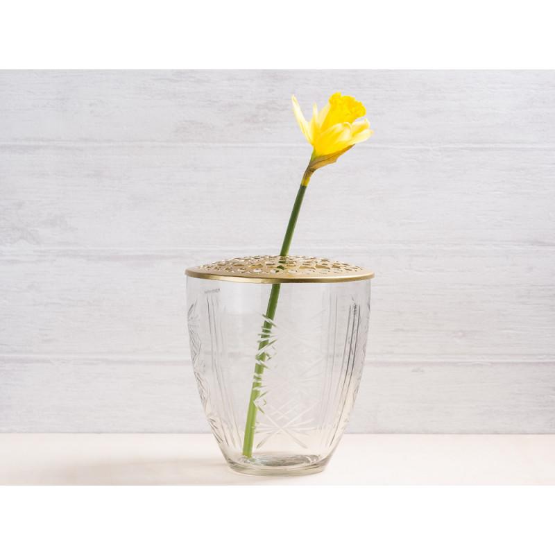 A simple Mess Vase Kari Glas mit Deckel Metall gold Blumenvase 15 cm hoch Deko Design für eine Blume Narzisse Frühling