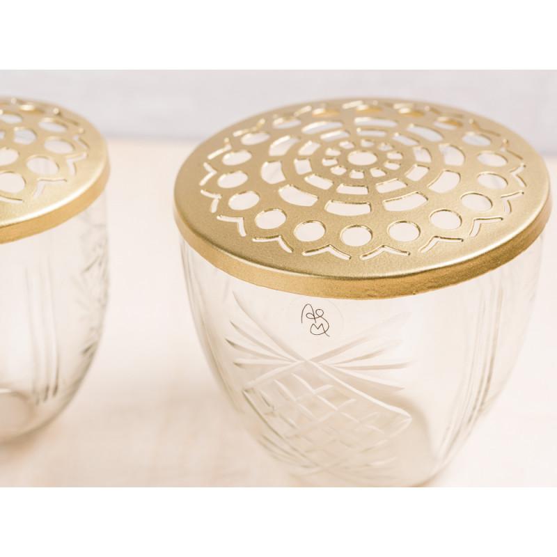 A simple Mess Vase Kehl Glas mit Deckel Messing Blumenvase Design Detail Verzierungen