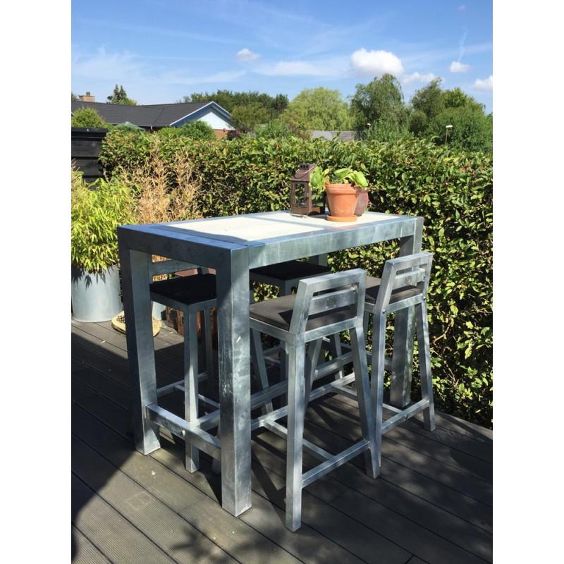 A2 Living Allwetter Bistro Tisch 2er Metall verzinkt Tischplatte Beton 67 x 124 cm rostfreie Gartenmöbel