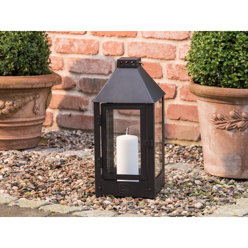 a2 living allwetter laterne midi schwarz pulverbeschichtet wetterfeste outdoor metall laterne. Black Bedroom Furniture Sets. Home Design Ideas