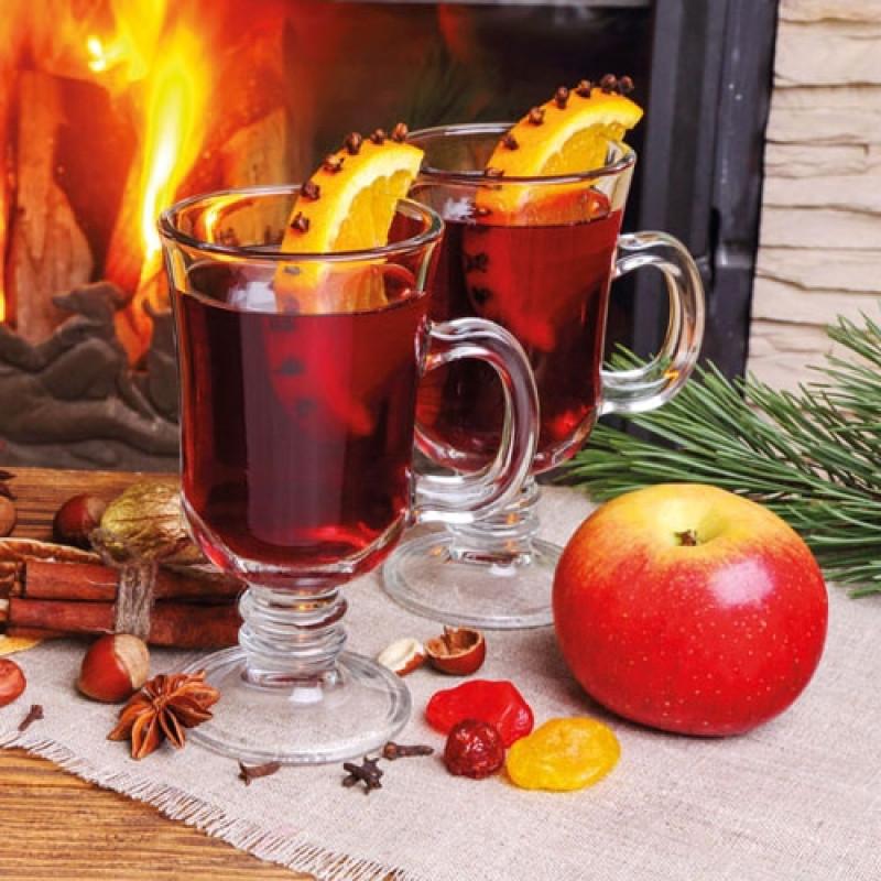 Ambiente Weihnachts Servietten Gluehwein mit Apfel am Kaminfeuer Weihnachten