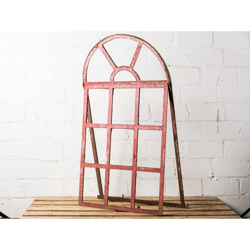 Antikes Stallfenster Alt aus Metall mit großem Rundbogen Sprossenfenster mit 9 von 13 Feldern zum Öffnen Vintage Deko oder als Hochzeitsgeschenk Unikat