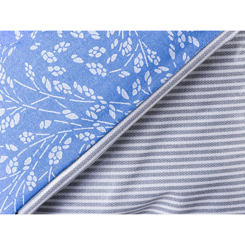 AU Maison Picknickdecke XL Krabbeldecke 140x180 groß Blau Weiß Blumen Streifen Grau Baumwolle Wachstuch Meadows Stripes French Blue Grey wasserabweisend Detail
