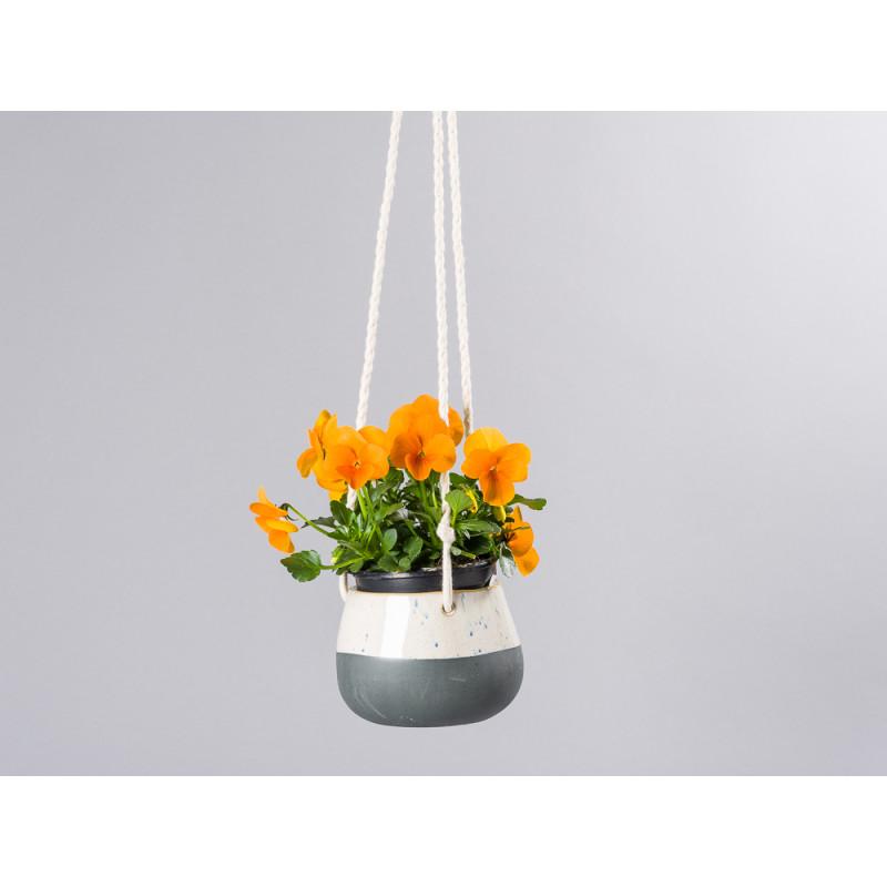 Bloomingville Blumentopf Hänger Schwarz weiß mit Kordeln zum Aufhängen Übertopf für Balkon mit Topfpflanze