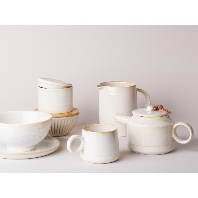 Bloomingville Carrie Serie Teller Schale Becher Krug Dose mit Deckel und Teekanne Keramik creme