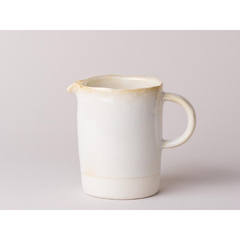 Bloomingville Kanne Carrie Geschirr Serie aus Keramik in creme beige Krug für 350 ml