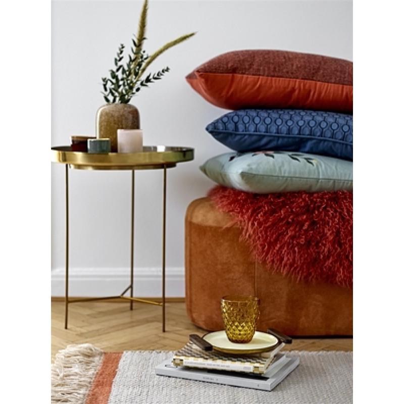 Bloomingville Teppich aus Wolle in natur orange und Bloomingville Trinkglas gelb Beistelltisch aus Metall