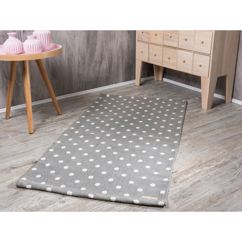 bloomingville rug cool grey with kit dots teppich in hellgrau mit wei en punkten aus baumwolle. Black Bedroom Furniture Sets. Home Design Ideas