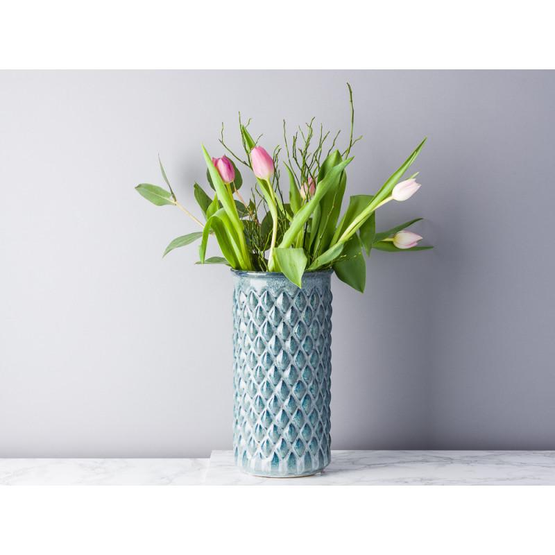 Bloomingville Vase Blau mit Karo Design erhaben Keramik schlank Zylinder 30 cm groß Blumenvase mit Frühlings Blumen