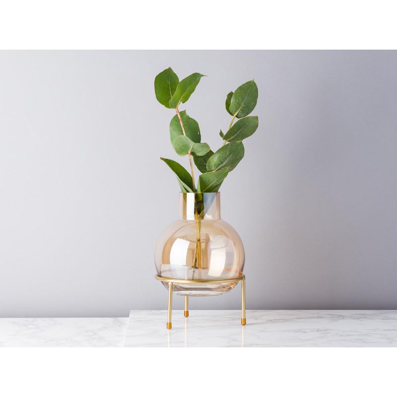 Bloomingville Vase Braun Orange Glas Kugel auf 3 Bein Ständer in gold Blumenvase 23 cm hoch Modern Dekoration mit Eukalyptus
