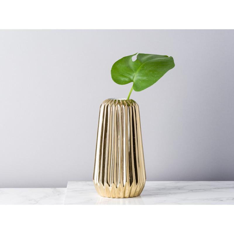 Bloomingville Vase Fluten gold glänzend konisch aus Porzellan mit Rillen 18 cm hoch Blumenvase Keramik dekoriert mit Drachenblatt