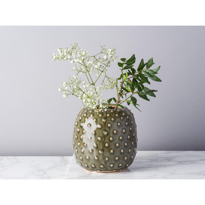 Bloomingville Vase grün Keramik rund bauchig Blumenvase mit Kaktus Punkte Struktur rustikal modern dekoriert mit Zweigen