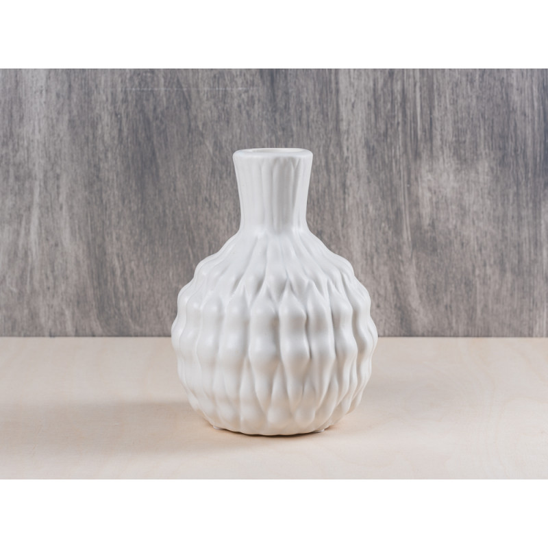 bloomingville vase heavy structure white ceramic blumenvase aus porzellan in weiss h he ca 16 cm. Black Bedroom Furniture Sets. Home Design Ideas