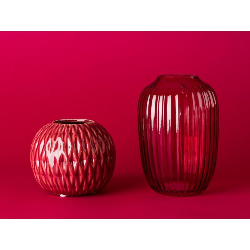Blumingville Vase rot aus Keramik und Bloomingville Vase rot aus Glas