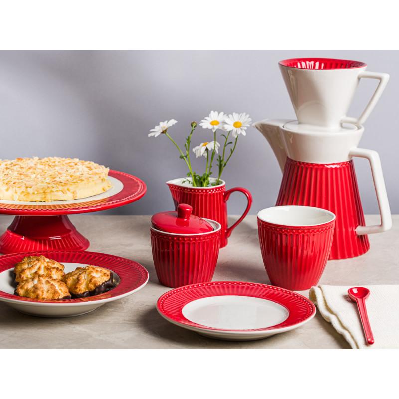Greengate ALICE Rot Kaffeekanne Tortenplatte mit Kuchen tiefer Teller und Frühstücksteller Zuckerdose Milchkanne und Latte Becher Everyday Keramik Geschirr Red Gedeckter Tisch Hygge Style