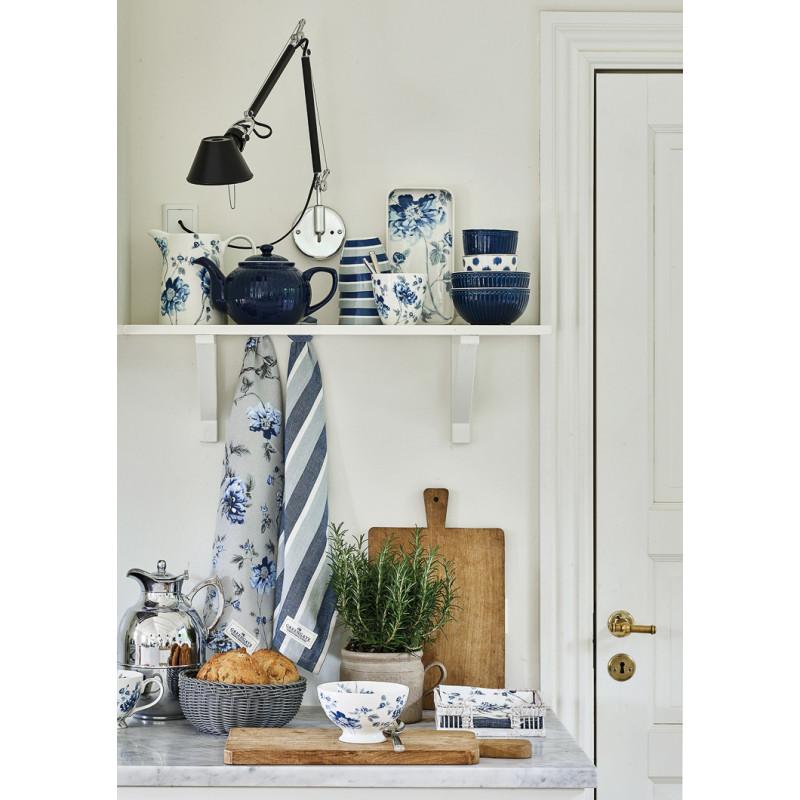 Greengate CHARLOTTE Krug Latte Cup Becher Tablett und Schale Weiss Blau mit Blumen Porzellan Geschirr romantischer Hygge Style kombiniert mit Alice