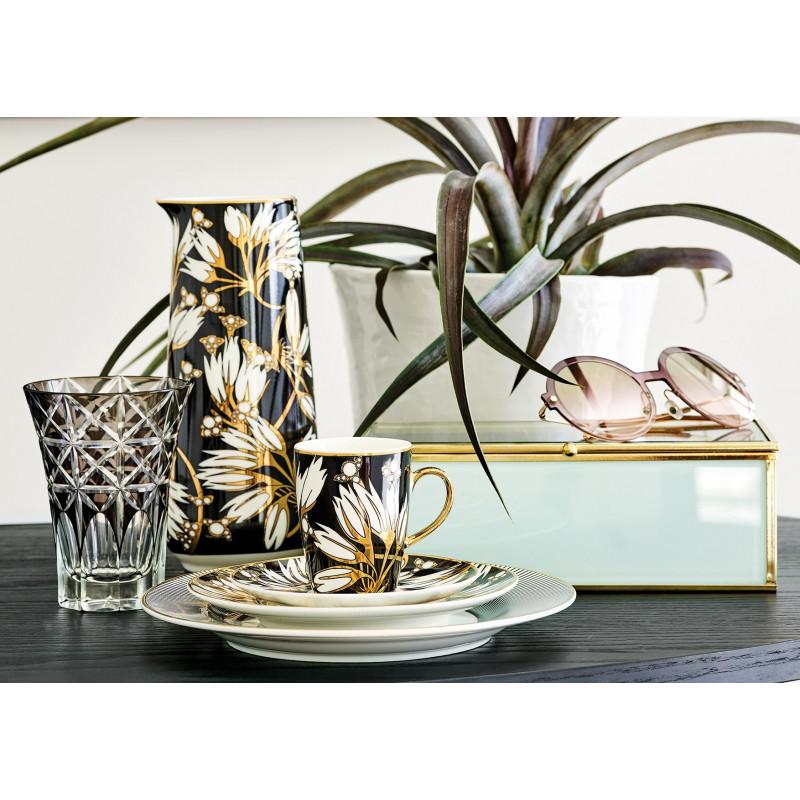 Greengate Geschirr Florette schwarz weiß Blumen Kanne 0.7 Liter Kuchenteller und Gate Noir Teller Corine aus Porzellan