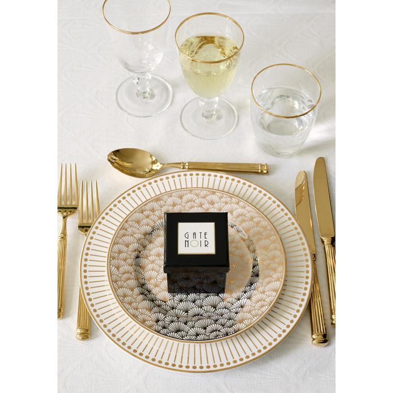 GreenGate Kuchenteller gold weiss Jacqueline Teller Dawn Gate Noir Besteck gold Tischdecke Jacquard weiss 150x250 cm