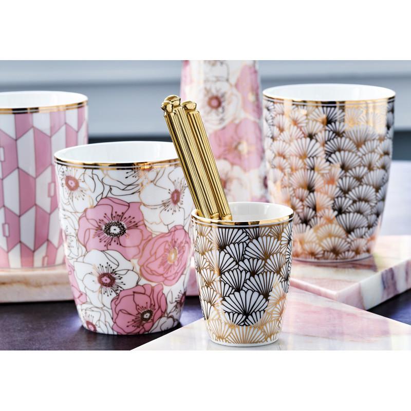 GreenGate Porzellan Geschirr Latte Cup Becher Flori Pale Pink Aurelie rosa Jacqueline gold Espresso Tasse und Gate Noir Besteck gold Tischdecke schwarz