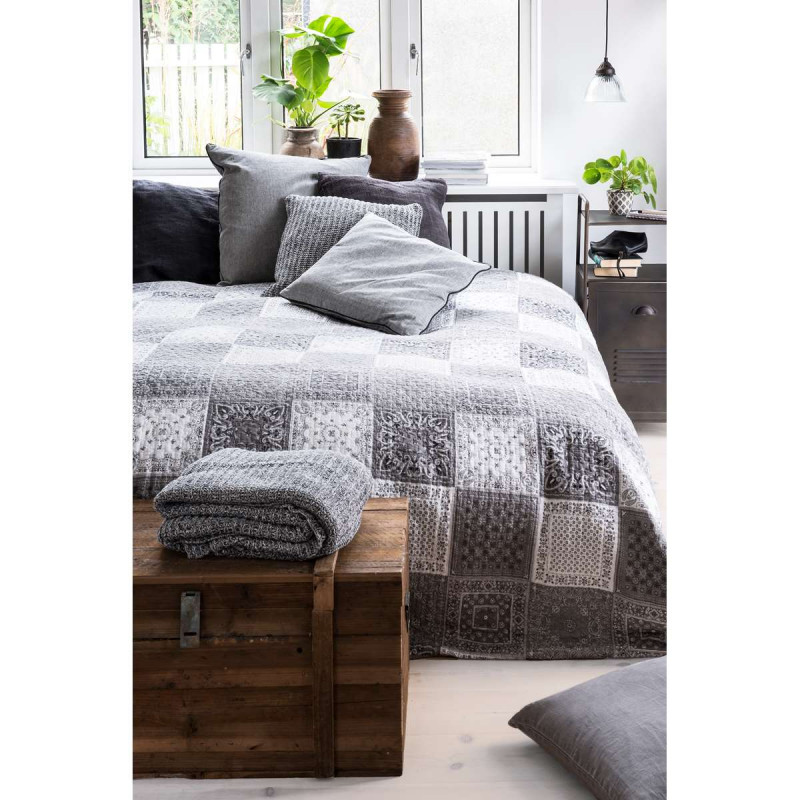 ib laursen bettdecke patchwork grau wei gedruckt gro e tagesdecke aus baumwolle quilt gr e. Black Bedroom Furniture Sets. Home Design Ideas