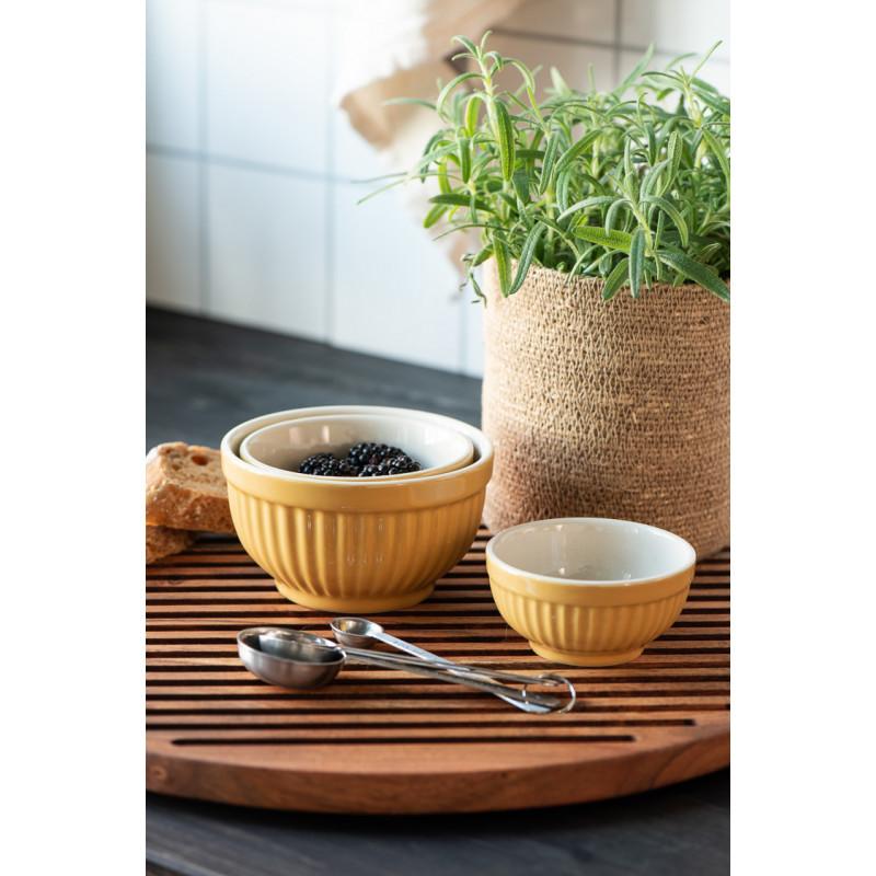 IB Laursen Mynte Schalensatz Mustard Gelb Mini Keramik Geschirr mit Brombeeren auf Holzbrett
