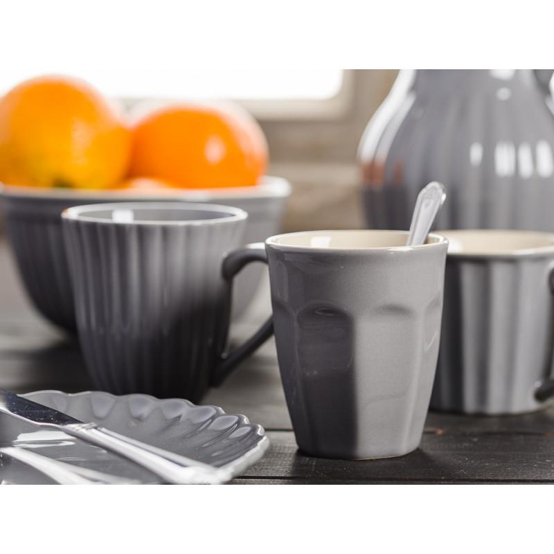 IB Laursen Mynte Shop Geschirr Granit Grau Granite Cafe Latte Becher mit Tassen Teller Krug und Schale mit Orangen