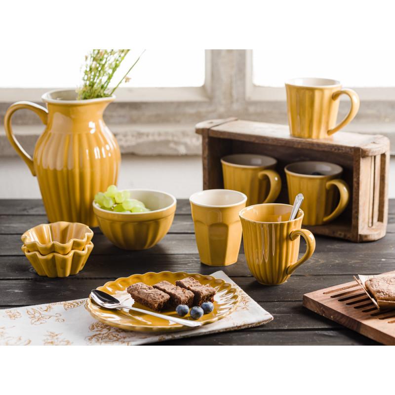IB Laursen Mynte Shop Geschirr Keramik in Gelb Senfgelb Mustard Teller mit Brownies Müslischale Muffinform Krug und Becher