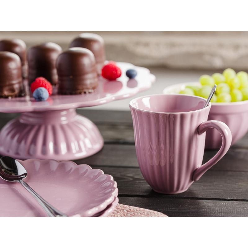 IB Laursen Mynte Shop Geschirr Kuchen Tisch Lavendel Lila Lavender Becher mit Rillen Teller Müslischale Tortenplatte mit Schokoküssen und Beeren