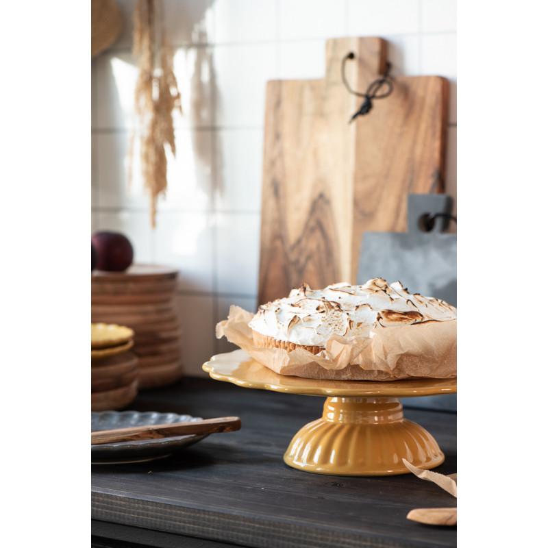 IB Laursen Mynte Tortenplatte Mustard SenfGelb Keramik Geschirr mit Baiser Kuchen und Holzbrettern Hygge