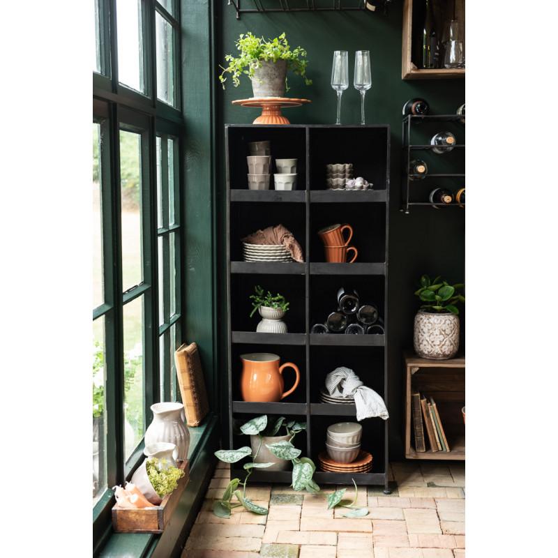 IB Laursen Mynte Tortenplatte Orange Keramik Geschirr Pumpkin Spice Servierplatte Wand Regalsystem am Fenster