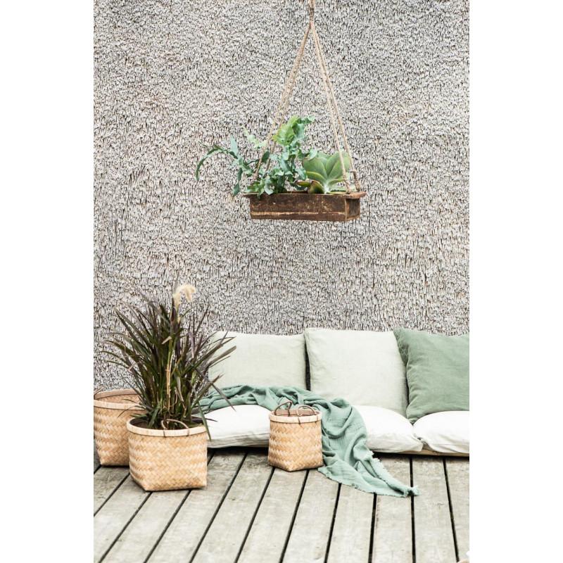 IB Laursen Sitzkissen Bezug staubig Grün aus Baumwolle Boxkissenbezug auf Terrasse mit Pflanzkorb und Decke