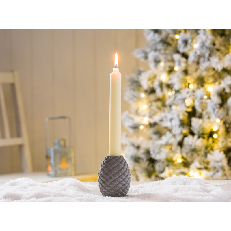 IB Laursen Tannenzapfen aus Beton als Kerzenhalter grau mit weißer Kerze