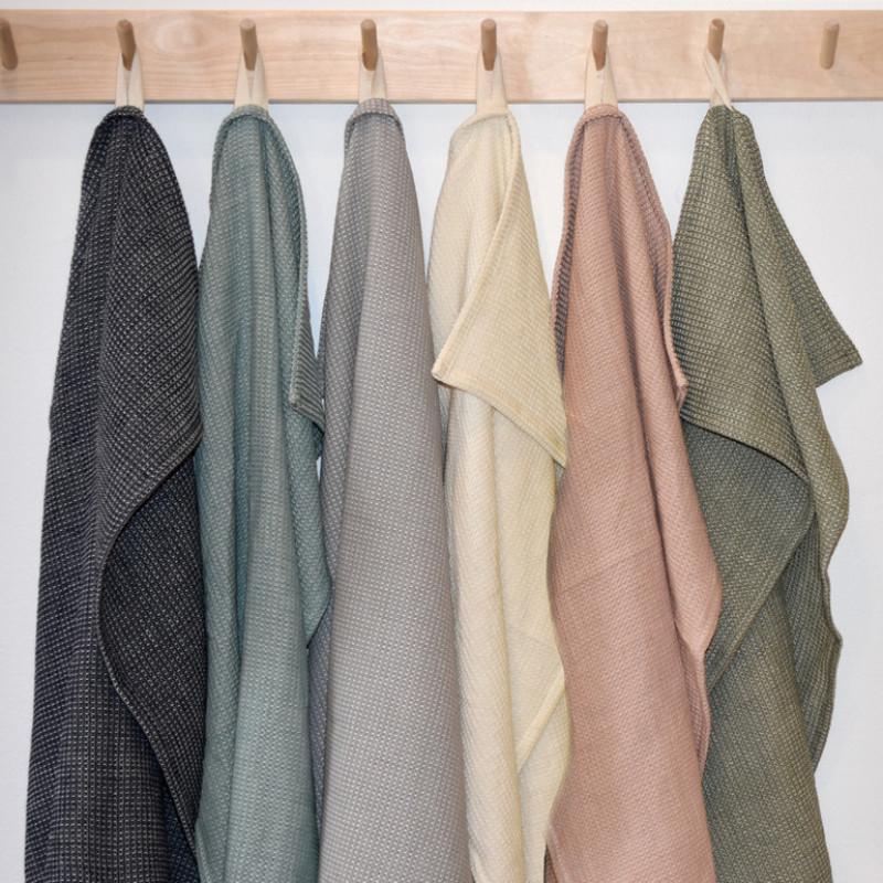 Linum Geschirrtücher Agnes alle Farben hängend aus Baumwolle 50x70 cm Geschirrhandtücher