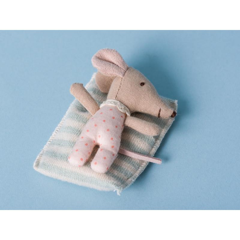 Maileg Baby Maus Sleepy/Wakey Mädchen in Box rosa Schlafanzug hellblau gestreift Decke