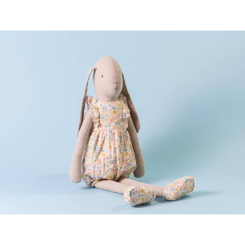Maileg Hase Bunny im Blumen Suit Jumpsuit und Schuhen geblümt Size 4 55 cm hoch