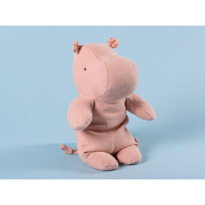 Maileg Hippo rosa klein Safari Friends Nilpferd 22 cm hoch Kuscheltier Geschenkidee zum Sammeln