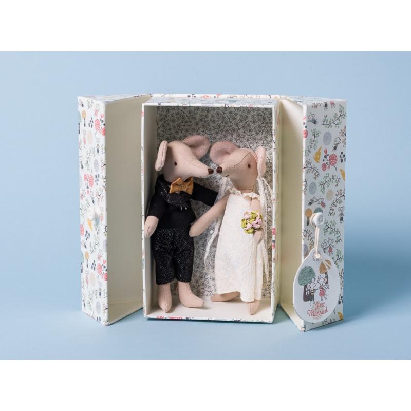 Maileg Hochzeitspaar in Geschenkbox verliebte Mäuse im Anzug und Brautkleid