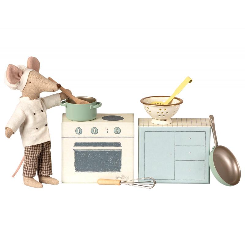 Maileg Kochset mit Herd und Küchenutensilien Maileg Chef Mouse Koch