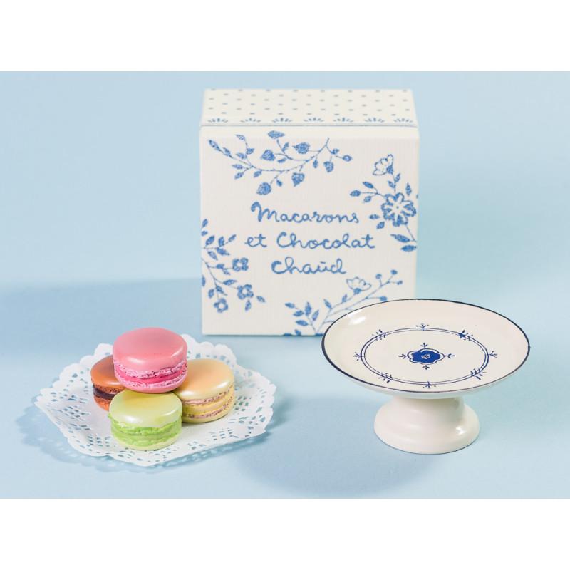 Maileg Macarons bunt mit Papier Zierdeckchen und Servierplatte in Geschenk Verpackun